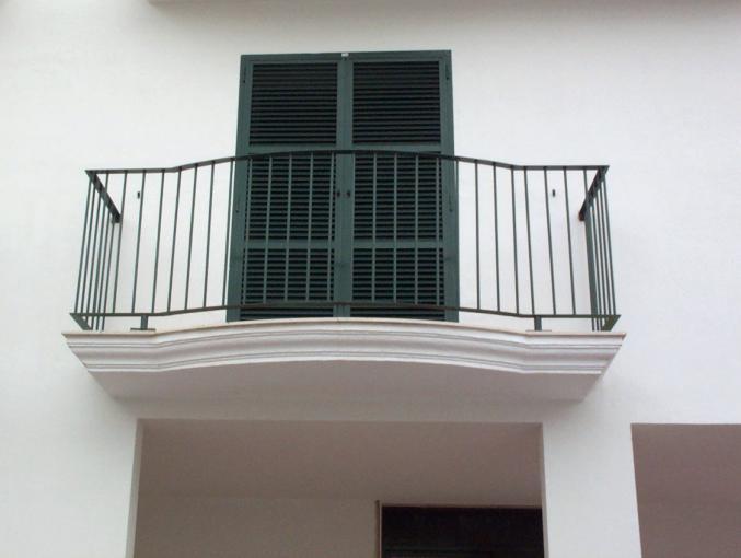 Herreria vilfor galeria de trabajos for Tipos de toldos para balcones