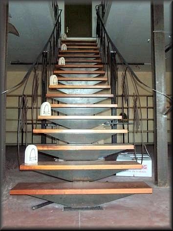 Herreria vilfor galeria de trabajos - Escalera hierro y madera ...