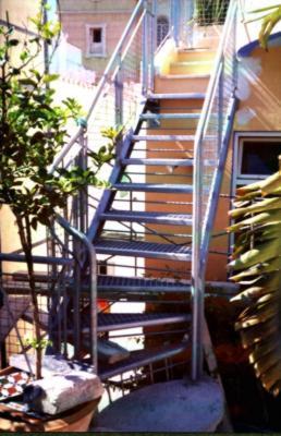 Herreria vilfor galeria de trabajos for Escaleras para exteriores de casas