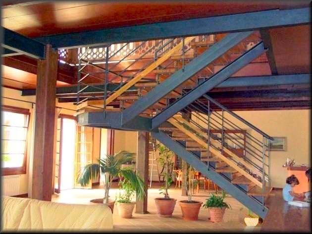 Herreria vilfor galeria de trabajos for Construccion de escaleras interiores