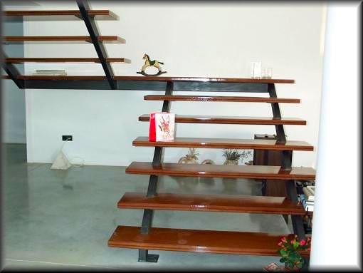 Herreria vilfor galeria de trabajos for Escaleras interiores de hierro